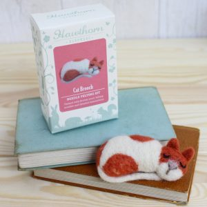 Hawthorne Handmade Cat Brooch Needle Felting Kit