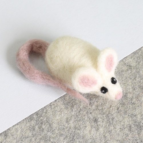Hawthorne Handmade White Mouse Brooch Needle Felting Kit