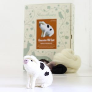 Hawthorne Handmade Gloucester Old Spot Pig Needle Felting Kit