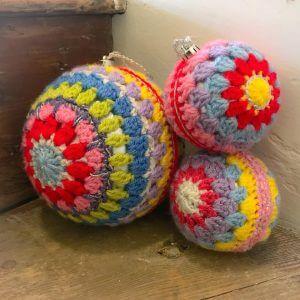 Christmas crochet bauble workshop bibelot
