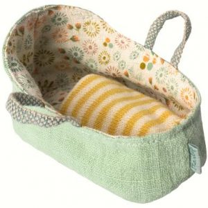 Maileg Carrycot Mint