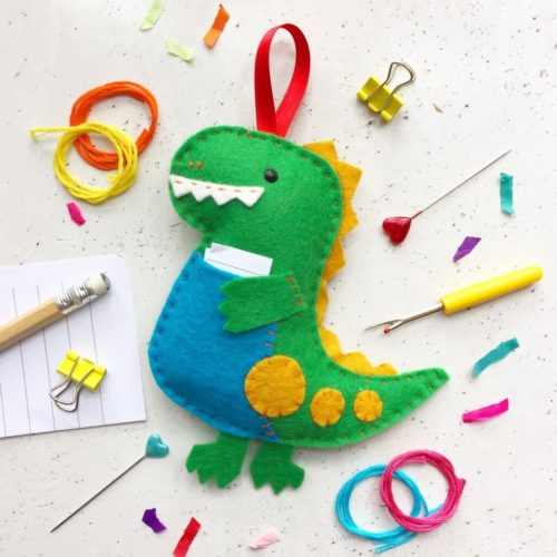 Donnie Dinosaur Felt Sewing Kit