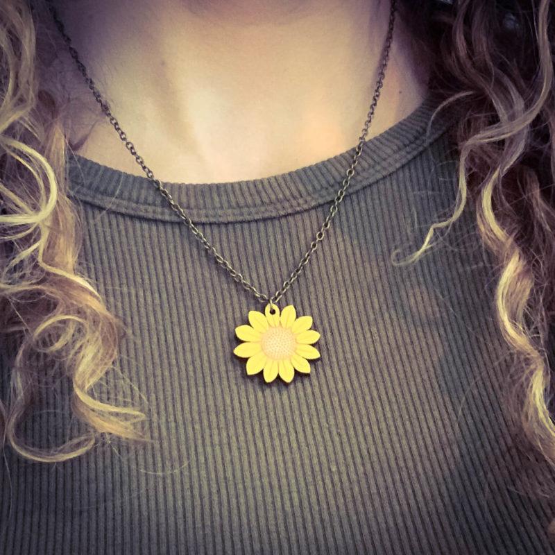 Layla Amber Sunflower Mini Flower Necklace