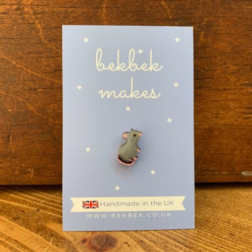 Bekbek Makes Grey Mouse Pin Badge
