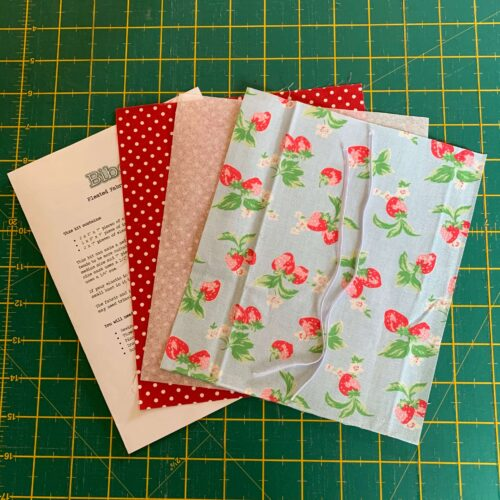 Pleated Face Mask Kit: Cath Kidston: Strawberry