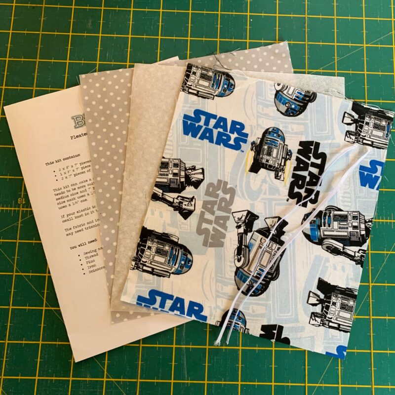 Pleated Face Mask Kit: Star Wars: R2-D2