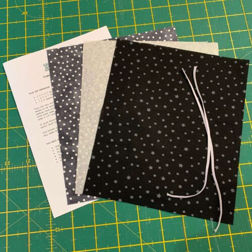 Pleated Face Mask Kit: Black Star/Spotty