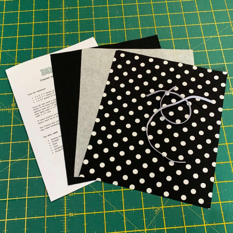 Pleated Face Mask Kit: Spotty Black