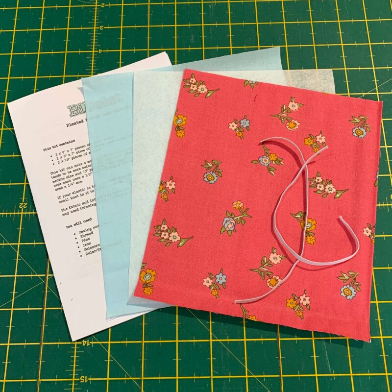 Pleated Face Mask Kit: Liberty The Cottage Garden: Little Vine Red