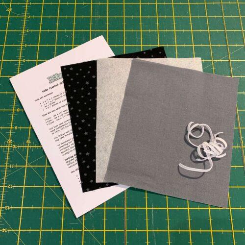 Children's Pleated Face Covering Kit: Plain Grey/Star