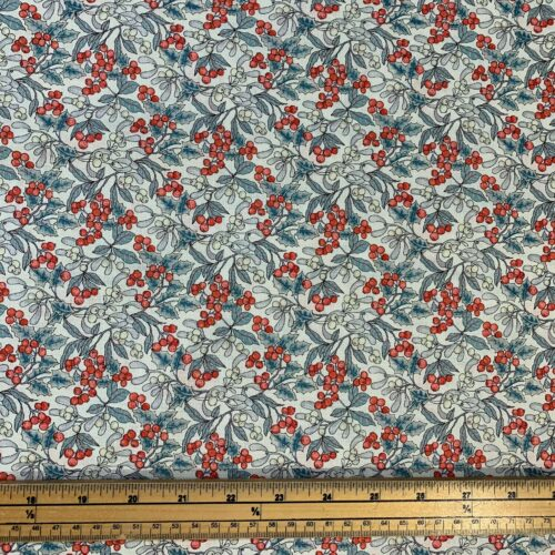 Liberty Fabrics - A Festive Collection: Christmas Berry - Fat Quarter