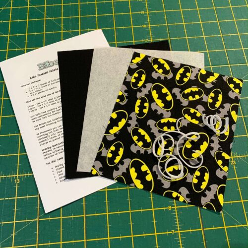 Children's Pleated Face Covering Kit: DC: Batman Logo Overlay