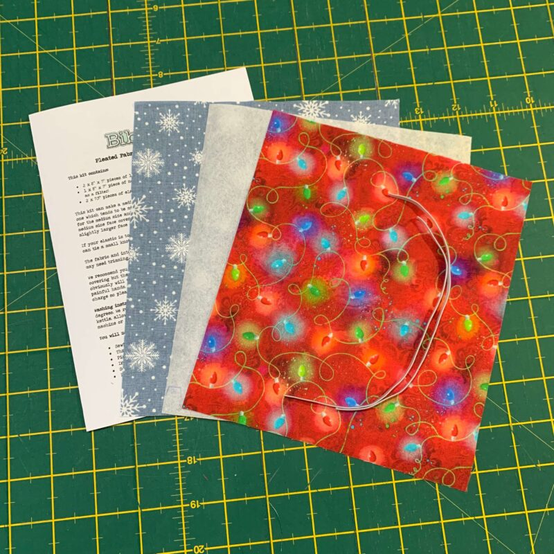 Pleated Face Covering Kit: Christmas 3 Wishes Sassy Holidays Light Strings & Snowflakes