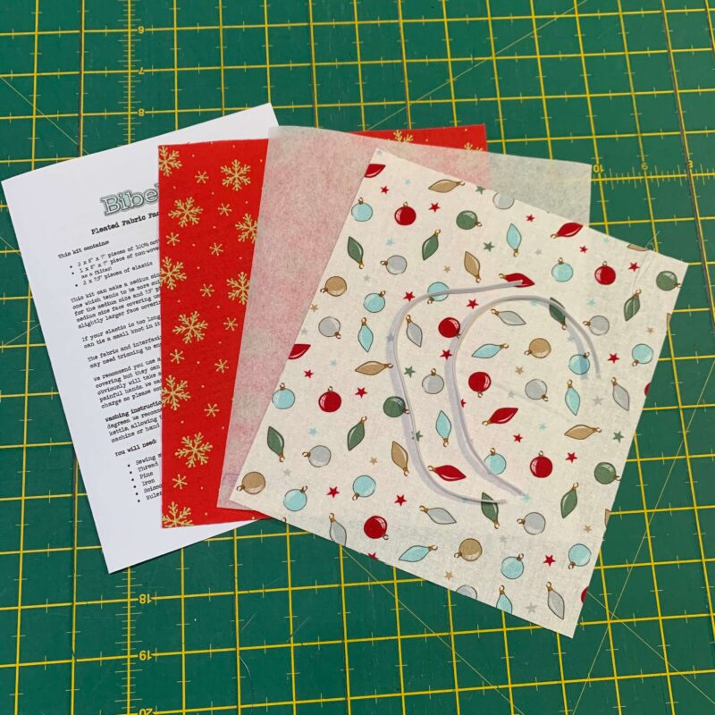 Pleated Face Covering Kit: A Christmas Tail Bauble & Metallic Snowflake