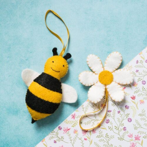 Corinne Lapierre Felt Bee & Flower Mini Kit