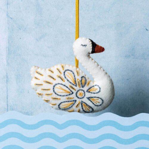 Corinne Lapierre Felt Swan a-Swimming Mini Kit