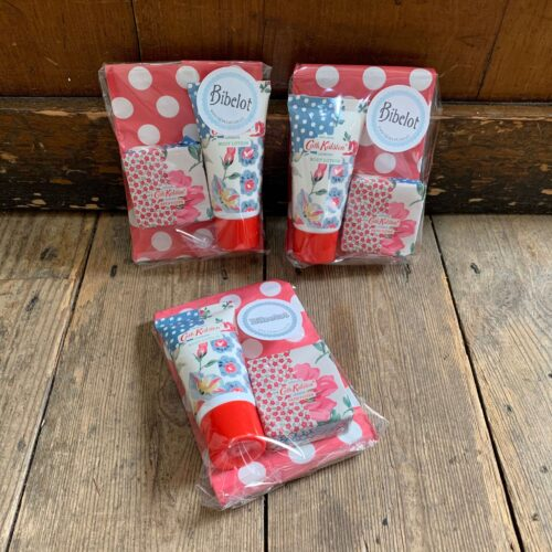 £5 Toiletries Gift Set: Body Lotion & Bath Fizzer